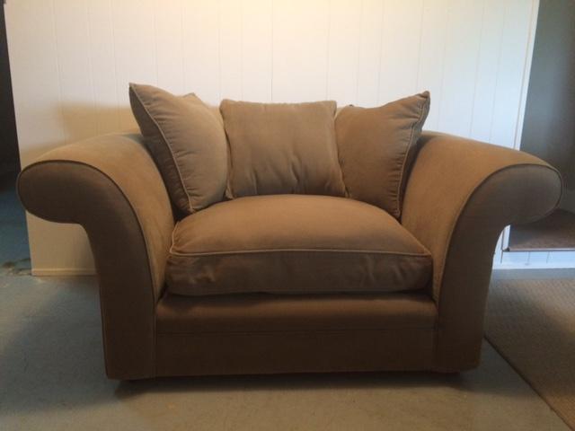 Love Seat - Montauk