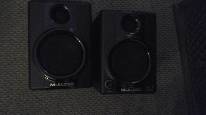 M-AUDIO  POWERED  STUDIO  SPEAKERS