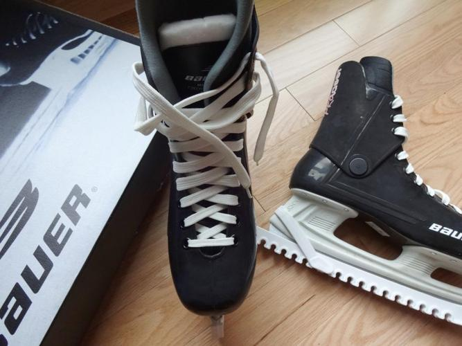 Men's Size 11 Bauer Hockey Skates