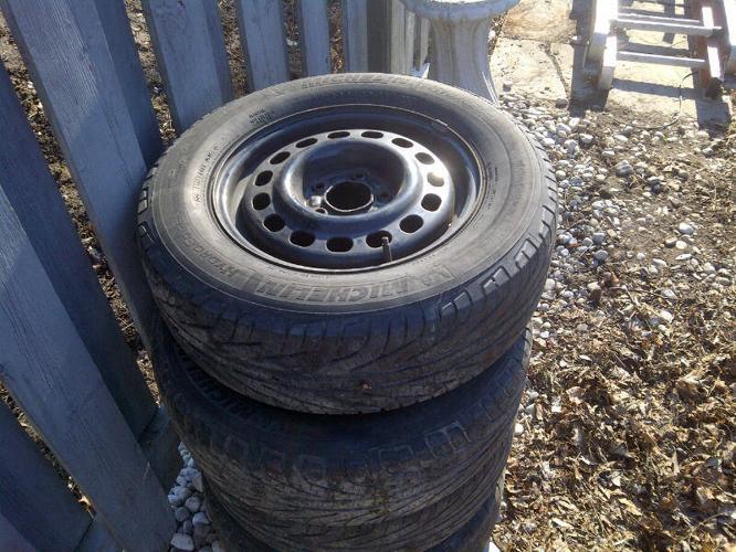 Michelin Hydroedge year round tires