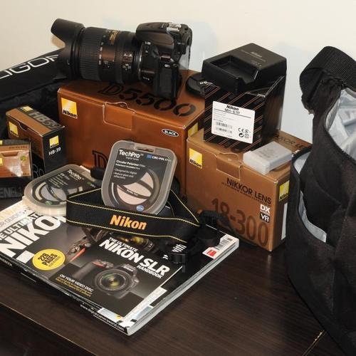Nikon D5500 plus