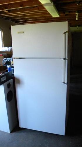 OBO  Westinghouse refrigerator - excellent condition