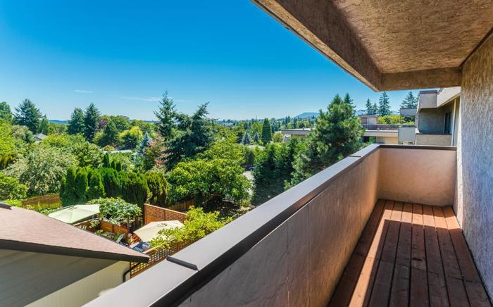 Ocean Views and A Huge Patio From This Penthouse Apartment #417 550 Bradley St