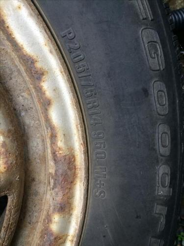 P205/75 R14 950 Winter Tires on Rims