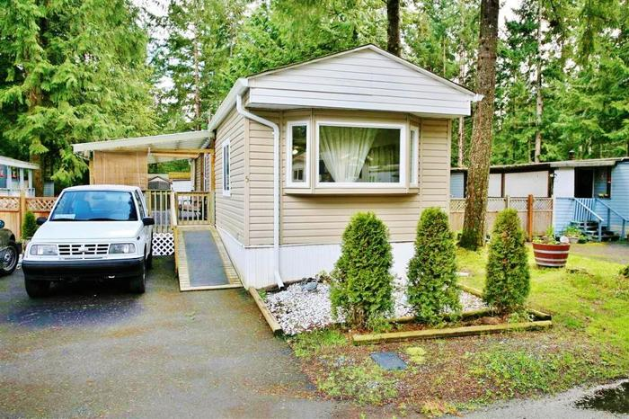 Pride of Ownership Move In Ready Mobile Fully Fenced Backyard #5 1310 Spruston