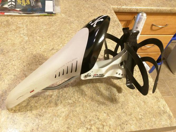 *REDUCED* Fizik Arione TRI 2 Bicycle Saddle (Seat) with magnesium rails