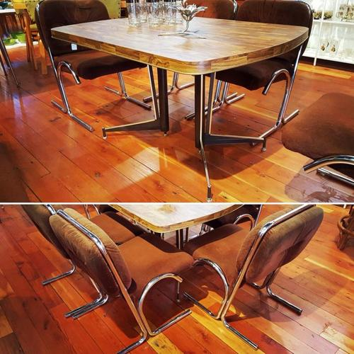 Retro table and 4 chairs sold separarately