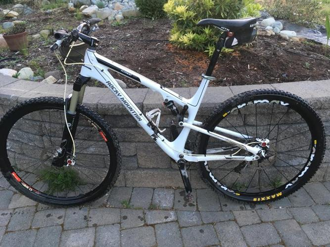 Rocky Mountain Element 950 Carbon