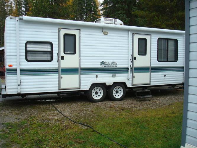 Beautiful  Travel Trailer  3500  Vernon BC Canada  Fiberglass RV39s For Sale