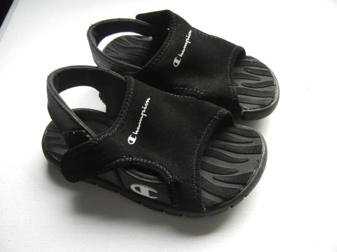 size 6.5 toddler sandle