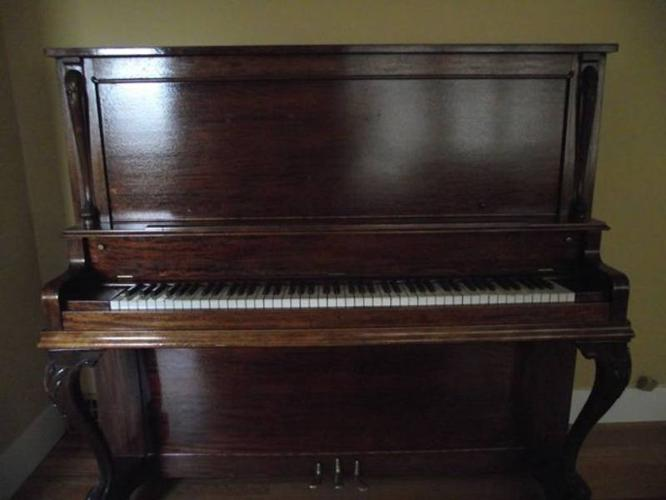 Sold 1904 Quot New Scale Williams Quot Upright Piano Amp Bench For Sale In Nanaimo British Columbia