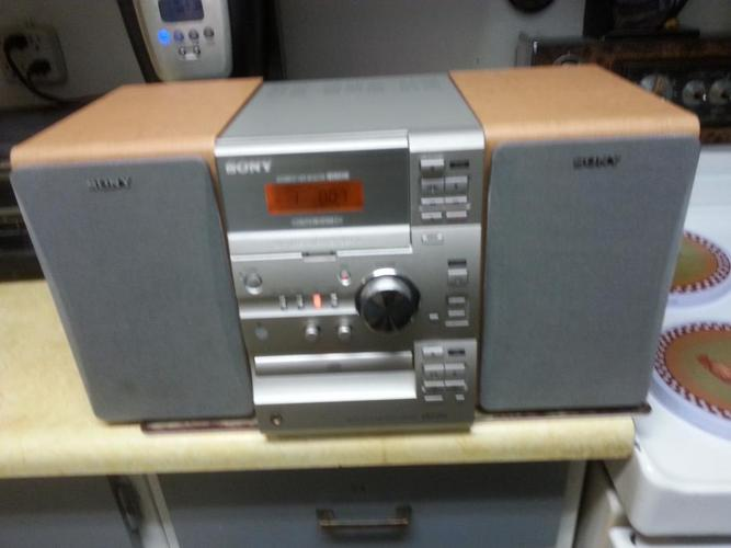 SONY MINI HOME  SOUND SYSTEM COMES WITH CASSETTE PLAYER/C.D PLAYER AND REMOTE