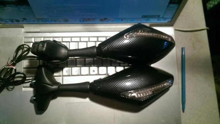 Sportbike Mirrors with LED Integrated Turn Signals