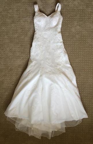 Trumpet style size 4 wedding dress