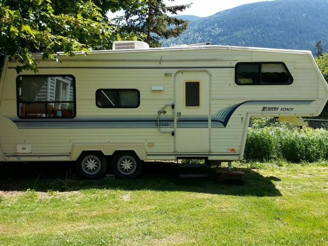 Updated '93 Kustom Koach 5th Wheel for sale