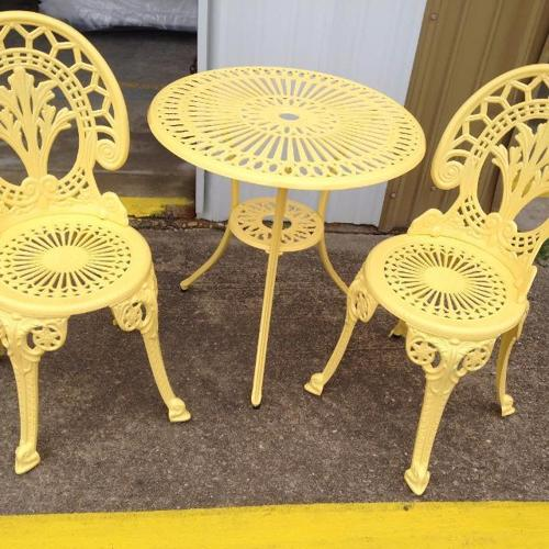 WANTED: patio set 2 chairs small table for trade
