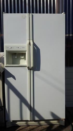 Working 2 door fridge for pickup only