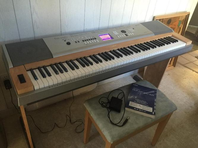 Yamaha Grand Piano Electronic with Bench