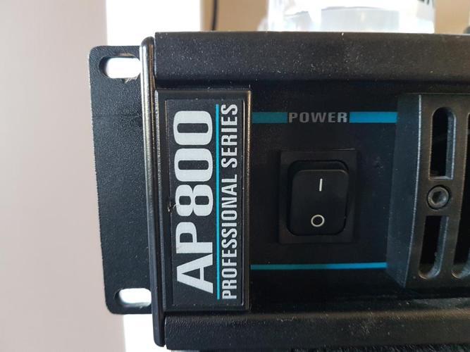 Yorkville Ap 800 Power Amp.