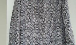 Stunning retro inspired 100% silk, fully lined spring/summer coat