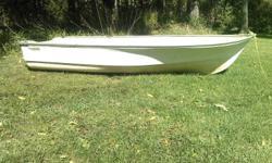10` fiberglass boat has no leaks for sale as seen in picture. 100 obo