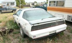 305 engine  t-top  limited edtion    Needs to be retored but running condition