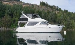 You will be impressed with how bright and clean Lilipad is. Her owner's attention to detail and scrupulous maintenance shines through. From the pristine living spaces to the immaculate engine room and the shine on her topsides. This is a well-cared for