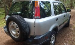 Make Honda Model CR-V Year 2000 Colour Silver kms 254000 Trans Manual Hi there, We are very sad to be selling our beloved car. She is a 2000 HONDA CR-V AWD SUV Crossover with 5 speed MANUAL Transmission (Standard). She has 4 cylinders and runs on