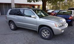 Make Toyota Model Highlander Year 2001 Colour Silver kms 186000 Trans Automatic This SUV is an 4WD model that is clean both inside and out, has 186,000 kms, 3.0L V-6 Engine, automatic shift transmission, has a CD player and tape deck, air bags and air