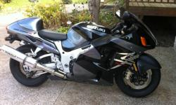 """The bike is in great shape and will need nothing but a new rider. The bike has Hindle pipes. 1"""" handle bar riser kit and bought a spare drivers seat and had the foam cut down and re-upholstered to give a more comfortable riding position. Has a new tinted"""