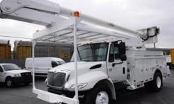 Make International Model 4300 Year 2004 Colour White kms 87879 Trans Manual Stock #: BC0030583 VIN: 1HTMMAAN54H669042 2004 International 4300 DT466 Bucket Boom Service Truck Diesel with Air Brakes, 7.6L, 4X2, white exterior, gray interior, cloth, ALTEC