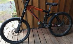2004 Kona Stinky Decent condition, lots of minor scuffs and scratches but still super solid. Great all around mountain bike. Not used a lot. Will sell with basic flat pedals. Size M/L.