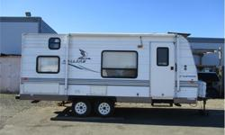 Price: $11,275 Stock Number: WT1401B 2005 Fleetwood 18T6 This unit is great for a smaller family. It has a pull out sofa, bunks in the back, tub/shower, 3 burner stove, oven, and microwave. All the necessities to make outdoor living easy and convenient