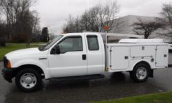 Make Ford Model F-350 SD Year 2006 Colour White kms 148522 Trans Automatic Stock #: BC0030784 VIN: 1FDSX345X6ED34314 2006 Ford F-350 SD XL SuperCab 2WD, Service Truck, 5.4L, 8 cylinder, 4 door, automatic, RWD, 4-Wheel AB, cruise control, AM/FM radio,,
