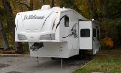 2008 28ft 5TH Wheel ONLY USED TWICE We bought the unit when it was three months old while we where still living in Europe,we now life in Canada and have no more use for the unit. The unit is in excelent shape and still looks brand new. The unit has one