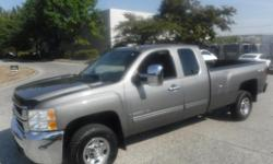 Make Chevrolet Model Silverado 2500HD Year 2009 Colour Gray kms 186111 Trans Automatic Stock #: BC0030347 VIN: 1GCHK49K39E119573 2009 Chevrolet Silverado 2500HD Work Truck Ext. Cab Long Box 4WD, 6.0L, 8 cylinder, 4 door, automatic, 4WD, 4-Wheel AB, cruise