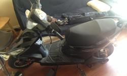 Like new 2013 Davinci electric scooter.58 km on it. In great shape, 3 speed. Comes with charger everything works great. Headlights, brake lights, signals and horn. Awesome little scooter email for more info or to view
