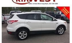 Trans Automatic This 2013 Ford Escape SE comes with alloy wheels, fog lights, roof rack, tinted rear windows, leather interior, dual exhaust, steering wheel media controls, Bluetooth, power locks/windows/mirrors, CD player, AM/FM radio, rear defrost, A/C