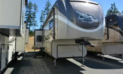 Price: $99,950 Stock Number: 833201-4070 VIN: 1UJCJ0BV7J1RS0058 Interior Colour: Latte Start your next camping adventure with this 37RSTS Pinnacle fifth wheel by Jayco. This model features triple slide outs, a rear living area, and an island.