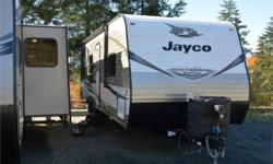 Price: $31,950 Stock Number: 965460-4311 VIN: 1UJBJ0BN1K75V0283 Interior Colour: Charcoal Jayco Jay Flight SLX Western Edition 264BHW travel trailer highlights: Double Size Bunks Semi-Private Bedroom J-Steel Jackknife Sofa Booth Dinette   Just