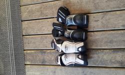 2 Hockey Elbow Pads Bauer Vapor X60: Sr. Small Price: 15 Warrior Method: Jr. Small Price: 10