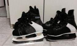 2 pair of boys hockey skates around size 11/12! 10$ each/ or trade for a size 2/3