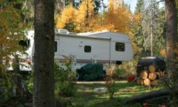 Follow the sun south or get the jump on next year. Have a look at this great 5th wheel. Give your family the gift of summer freedom. Fully winterized 1995 32' Jayco Eagle Fifth Wheel. This unit has low road miles and has been mostly parked at the lake. It