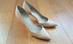Great condition, only used once for the Gala last year Heel is about 8-9cm