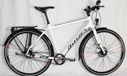 Almost new. Commuter bike. Hybrid frame. 700 wheel. Bought at North Park Bicy. Shop in June 2014. I moved to countryside (Cassidy). Have mountain bike n walk to work. A minimum of maintenance thanks to a belt, a Nuvinci 360 drivetrain, disc brake,