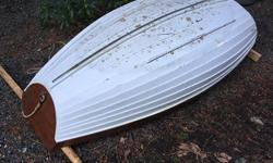6' wooden Norwegian Pram - No Oars.