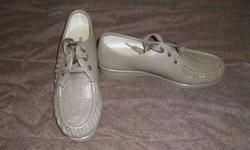 All shoes are size 9 and have been worn very lightly and are in excellent condition. price is per pair of shoes