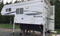 North south bed queen Electric jacks Inverter Bathroom 3 burner stove,oven 3 way fridge 2 propane tanks, battery 1/2 ton carry able Very nice and clean 834 kgs 10 ft awning New vents with max air New escape hatch New bed Large hardle for getting in and