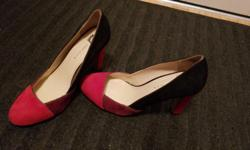 Size 8.5 leather 4 inch heels. Worn once and just don't have a use for them anymore. Posted with Used.ca app