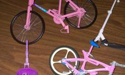 one pedal missing but still fun to play with fits standard Barbies
